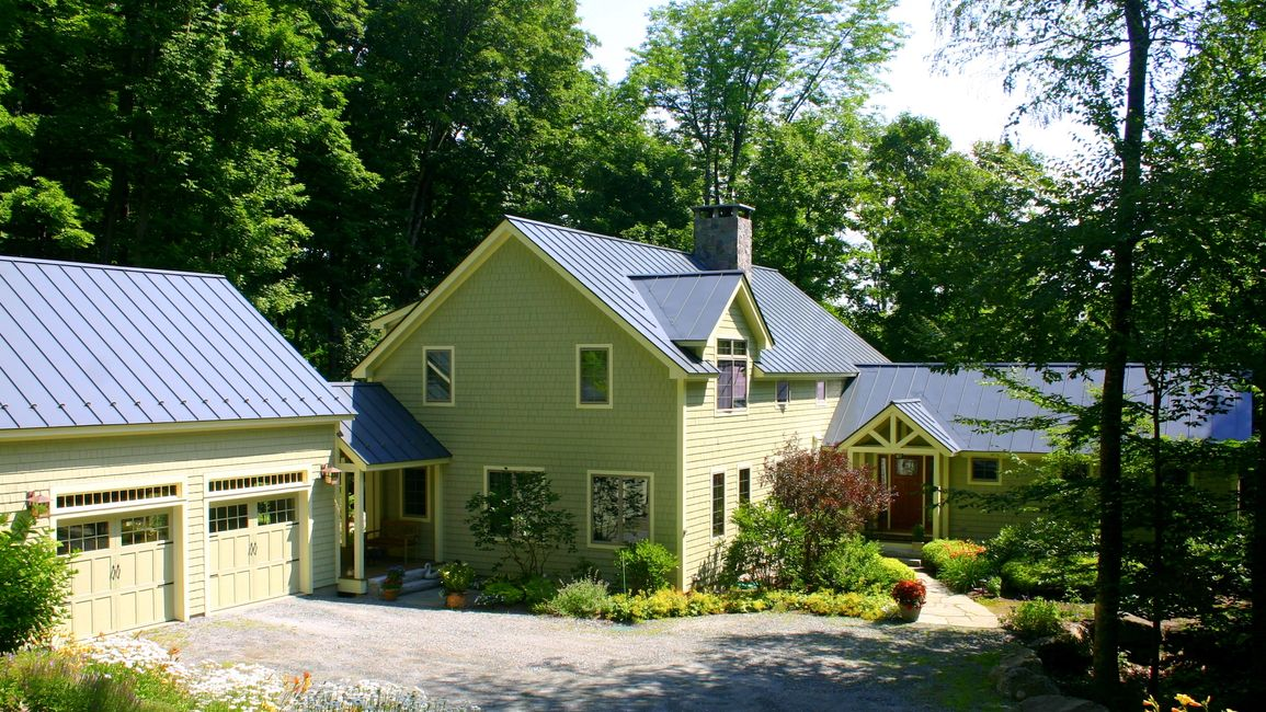Exterior painting in the Eastman Community of Grantham NH