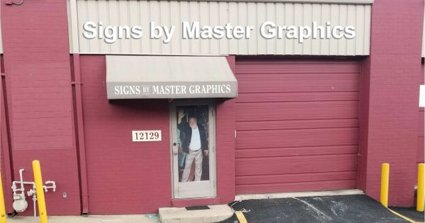 Master Graphics: Lettering Signs,  Banners, Van Wraps