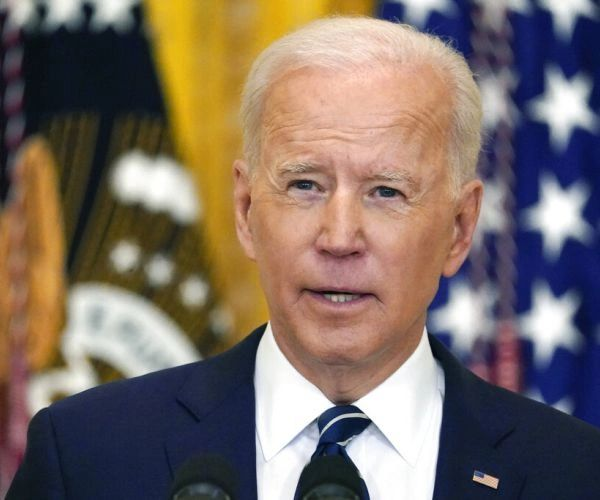 Biden's White House plans 'vaccine passports'