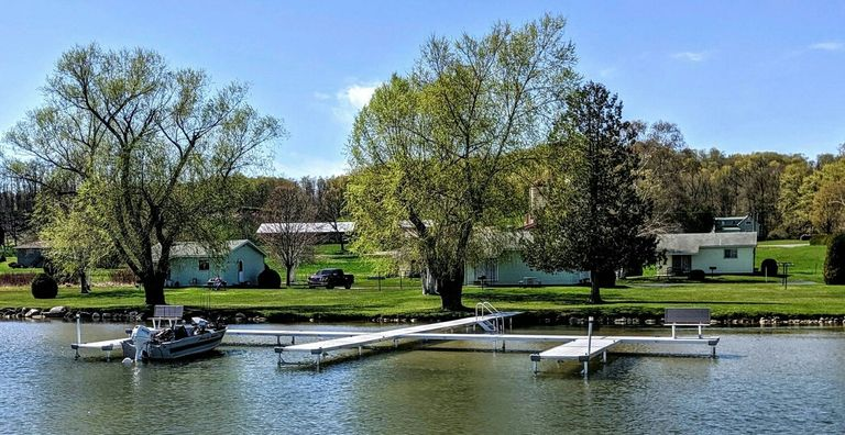 Garvin's Cottages on Lake Leelanau in Cedar Michigan