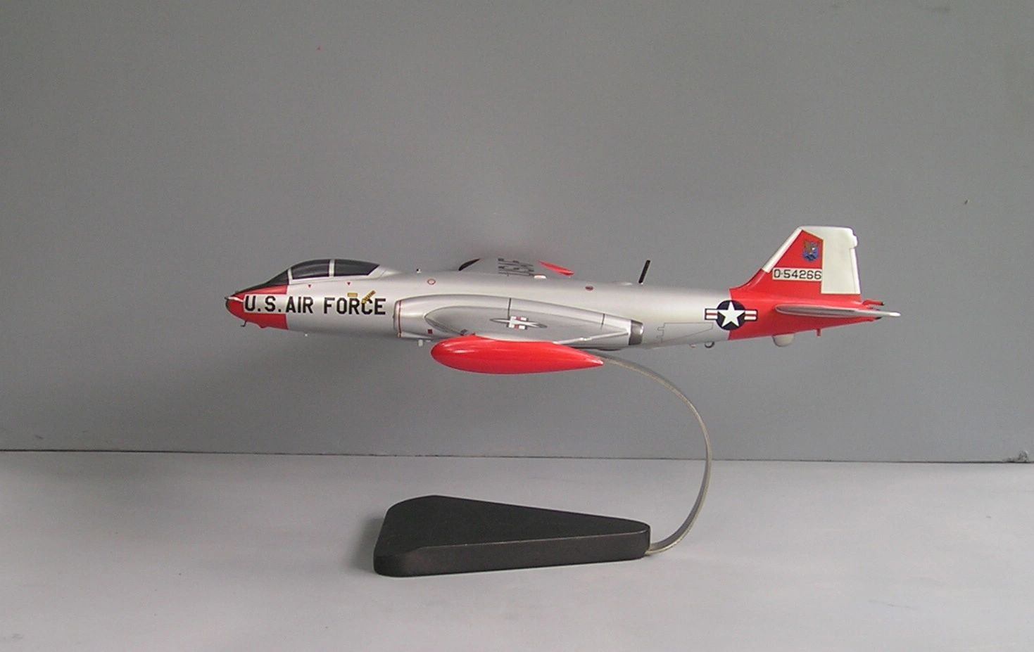 EB-57 Canberra custom models