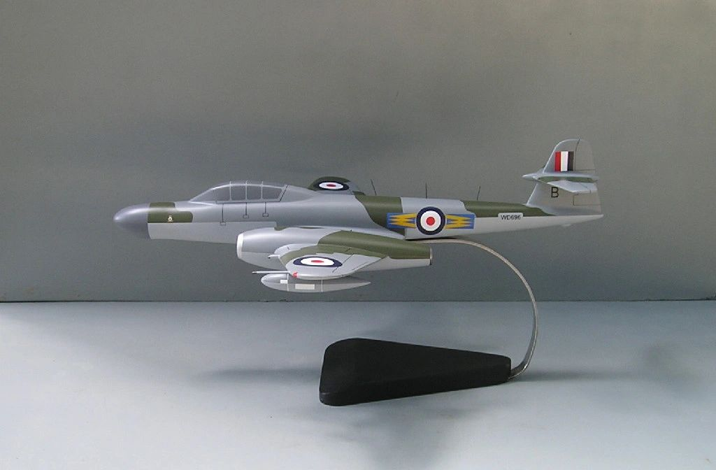 gloster meteor desktop model