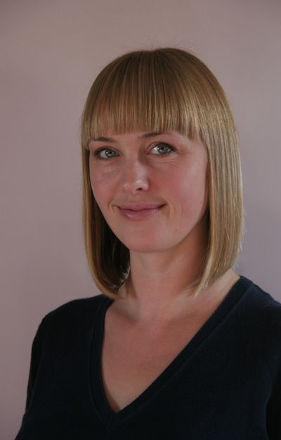 Dr Kate Castle portrait Psychologist specialising in CBT