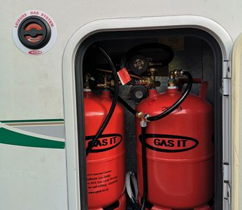 Refillable gas system