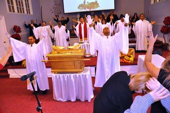 Ark of the Covenant Displayed in Actual Church Service!