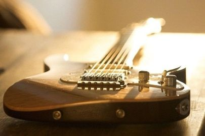 Guitar lessons. Boston Guitar Lessons.  Guitar instruction. Music Lessons. Music Student.
