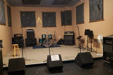 rooma thearoom thearoomstudio rehearsal drums guitar hicksville newyork  studio music