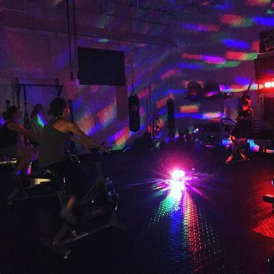 Spinning spin bike group fitness