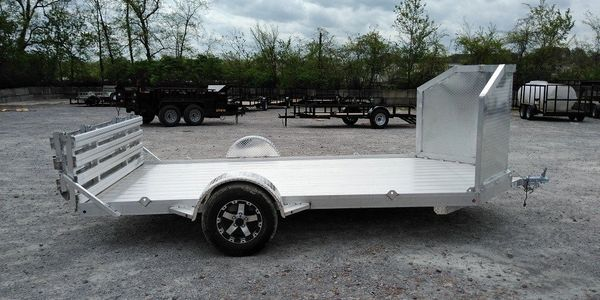 Bi-fold Tailgate Soild Floor Aluminum Utility Trailer with Extra Large Road Guard