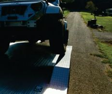 aluminum trailer with drive over fenders