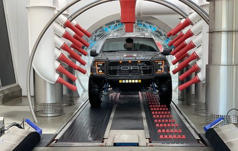 With our dual conveyor belt we are able to wash a wide variety if vehicles