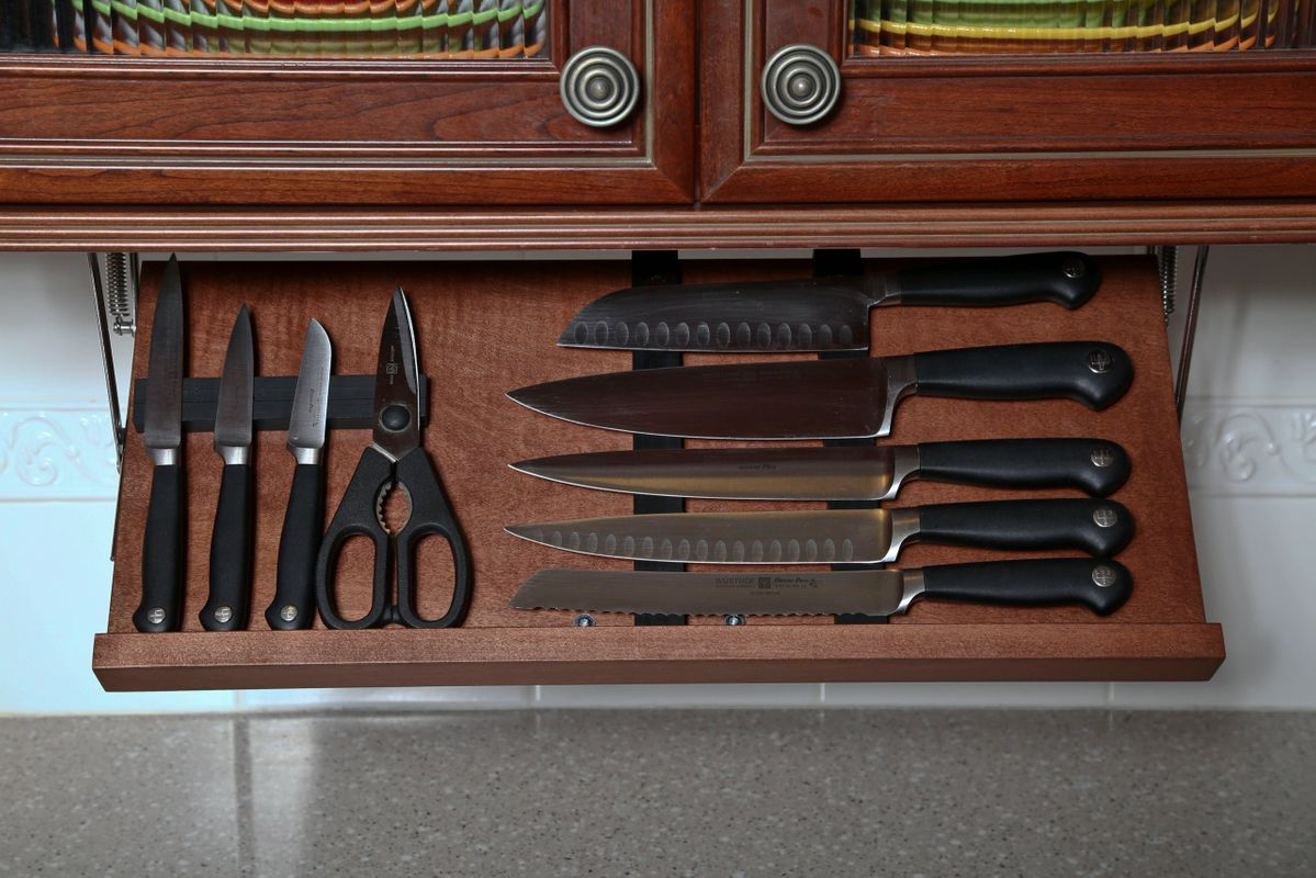 under cabinet kitchen knife storage