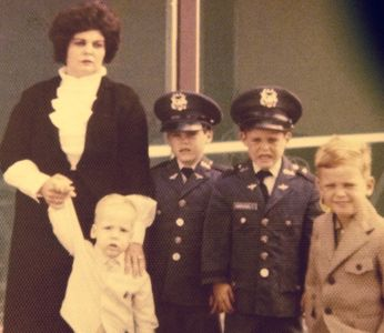 Kurt Varricchio as child with brothers and mother
