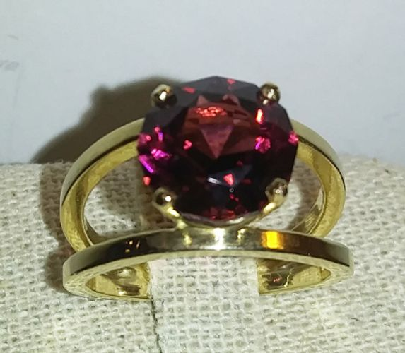 Umbalite Garnet Ring in 14k yellow gold by master faceter Bill Booze
