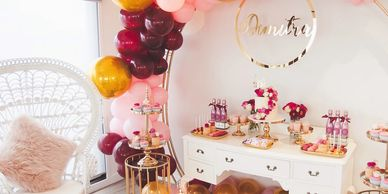 Statement balloons, deliciously sweet display, complete with our customer 70cm gold acrylic signage!