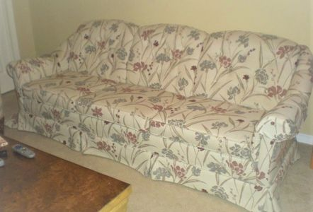 before dated sofa, reupholstery service ottawa, restyle sofa, upcycle sofa, sofa repair, uphosterer