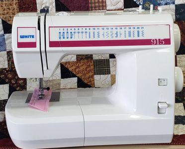 Pre-Owned White 915 Sewing Machine