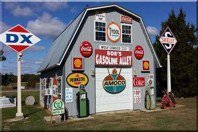 Gasoline Alley, Cuba Missouri, vintage,retro,memorabilia, history. Route 66 preservation project.