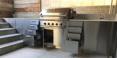 outdoor kitchens, bbq cooking, bbq kitchen, outdoor living, stainless steel cabinet,