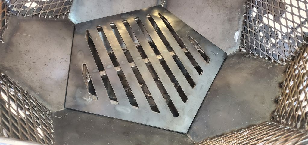 Custom fire pits with grates in Fort Collins