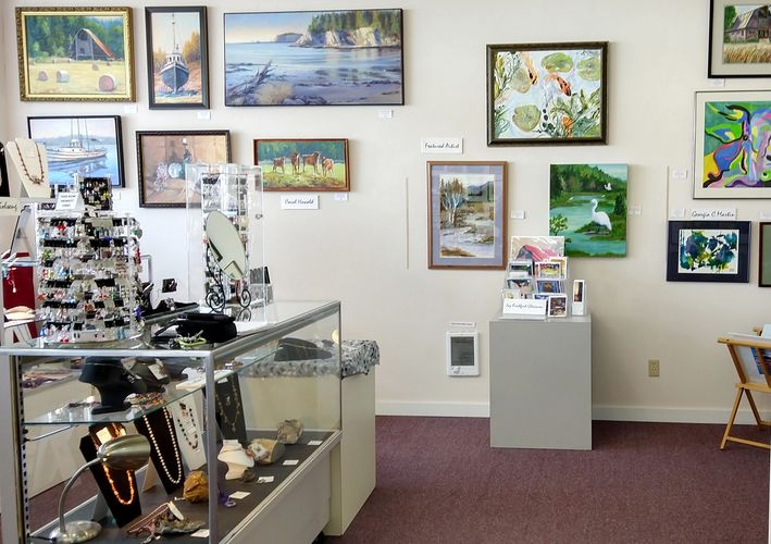 Welcome to The Artist Loft Gallery, an artist cooperative for the Coos Bay/North Bend Oregon area.