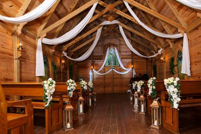 Custom Decor Design -Mary's Chapel Spanish Point- Bay Preserve Osprey by Beach Breeze Weddings