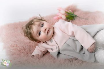 Baby Aria ' blue eyes' in her 6mth photo session