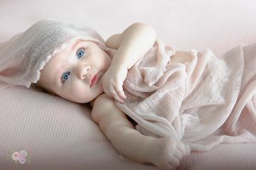 3mth old photo session for Baby Aria !! Big Blue eyes
