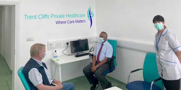 Trent Cliffs private healthcare hospital> Image of consultant  talking to haematology patient at the