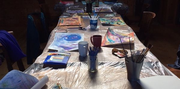 art therapy, counselling, group, group workshop, art, painting