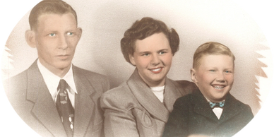 Owner, Tommy McGuire, with his parents, John Reid McGuire and Louise Gheen McGuire