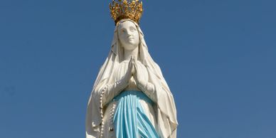 Crown statue of the Blessed Virgin Mary
