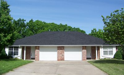 Click picture to link to Google map for 5183 Louisville Court.