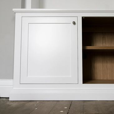 Alcove cabinet with oak internals.