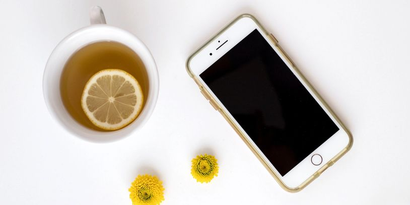 picture of phone and tea