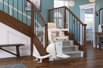 Freecurve Curved Stairlift Buckle up. The best-looking seat and tightest ride in town.