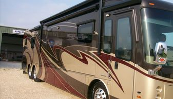 2014 Entegra Aspire motor home side wall and rear cap graphic paint and fiberglass repair