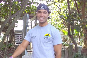 Seaside Seabird Sanctuary Rescue Team Volunteer.