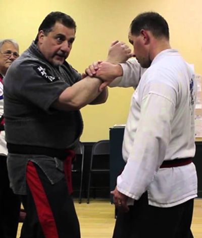Master Dana Kiklis teaching Jujitsu, Self Defense Escapes