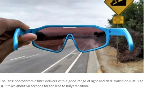 The lens' photochromic filter delivers with a good range of light and dark transition (Cat. 1 to 3).