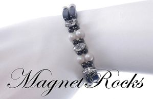 Enchanted Jewelry Collection Crystal Pearlescent White Pearl and Clear Crystal Hematite Magnetic Jewelry Set