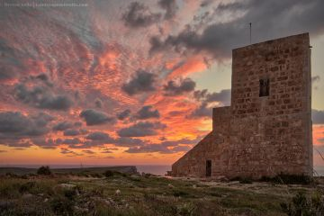 Ghajn Znuber tower at dusk. Derren vella fine art landscapes of malta and Gozo at sunset