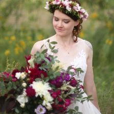 Sustainable local wedding flowers