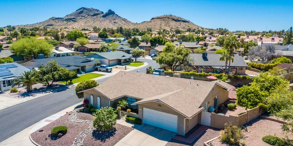 Beautiful Home with Designer Touches in Moon Valley, Phoenix with Mountain views!