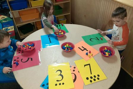 preschool children doing math