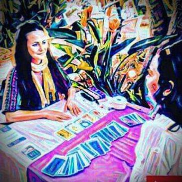 tarot reader in Ibiza, private consultation and gathering