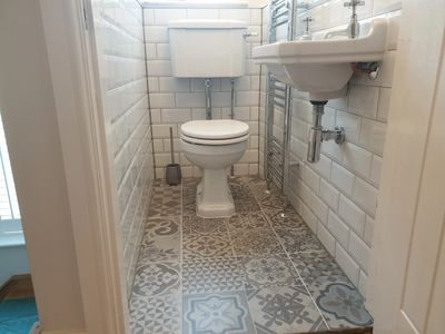 Toilet  Basin Tiling Old school