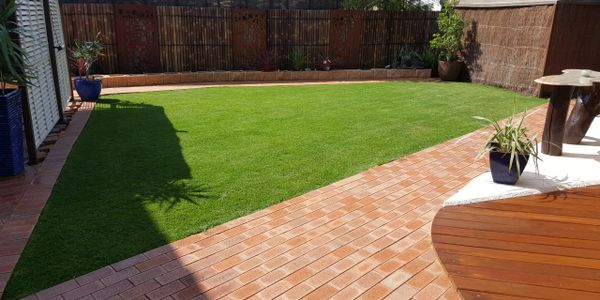 WA Painters-Perth, wapainters-perth.com.au Valentine Lawn Decking, stain, privacy screen