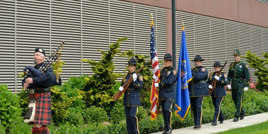Portland Police bagpiper at Law Enforcement Memorial