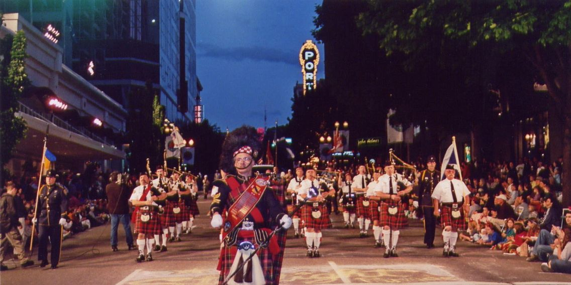 Police bagpipe band in Starlight Parade
